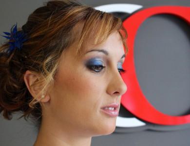 maquillaje-mujer-ojos-labios